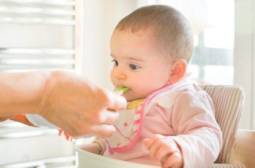 svezzare un neonato